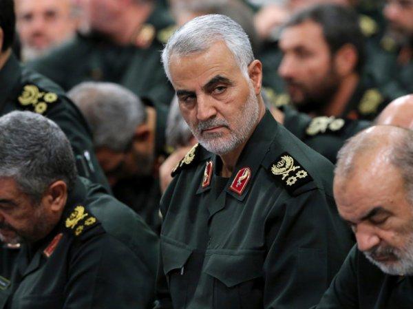 СМИ: Иран нанесет удар по военным объектам США в ответ на убийство генерала Сулеймани