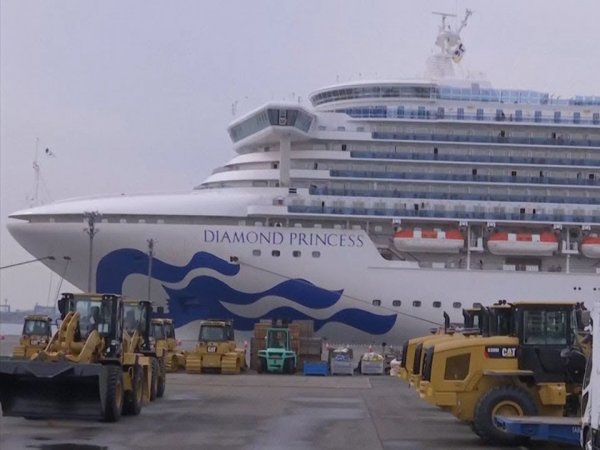 Два пассажира Diamond Princess умерли от коронавируса: число заболевших россиян выросло