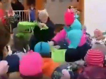 Водка, пиво и вино: детсадовцы в Перми повеселились на Масленицу под алкогольную песню