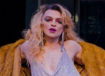 Исполнитель хита «Между мной и тобой» певец Оскар объявил себя трансгендером (ВИДЕО)