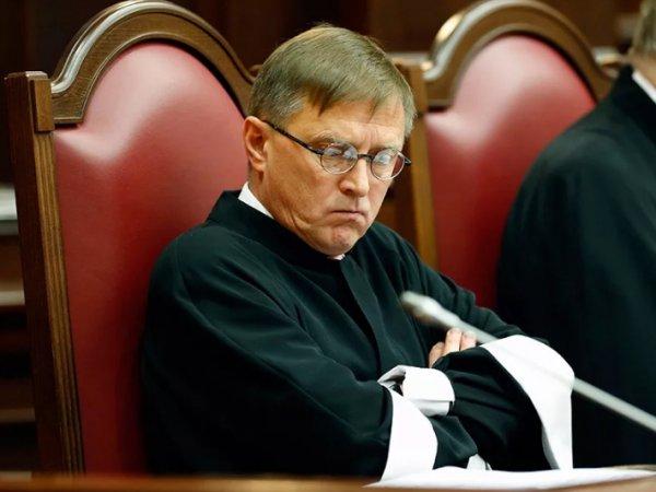 Судья КС предложил не считать Россию правопреемницей СССР