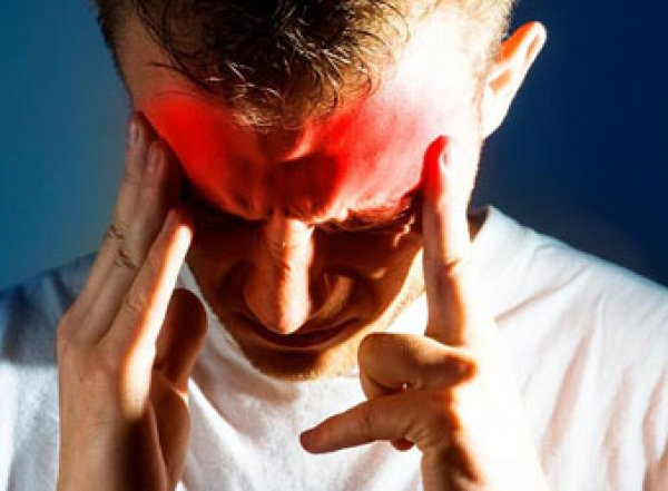 Медики назвали способы борьбы с мигренью