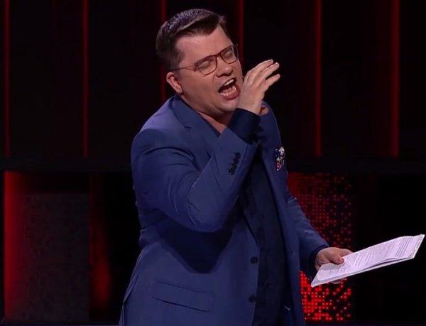 """СМИ: Харламову стало плохо на концерте Comedy Club - ему вызвали """"скорую"""" (ФОТО)"""