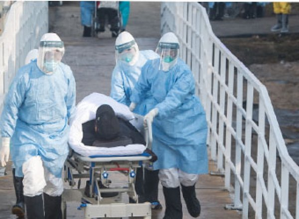 На судне с зараженными коронавирусом в Японии оказались двое россиян