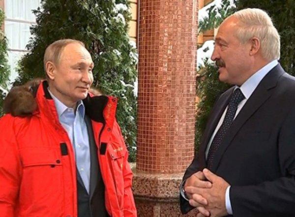 Лукашенко рассказал, о чем разговаривал с Путиным наедине