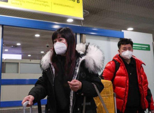 Гражданам Китая временно закрыли въезд в Россию