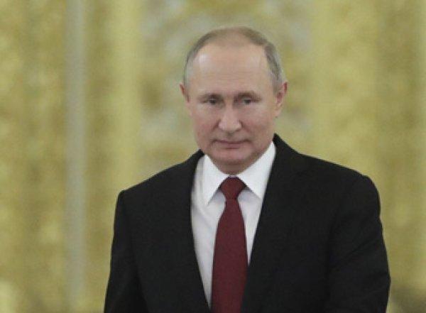 Путин снял с постов четырех генералов МВД и МЧС
