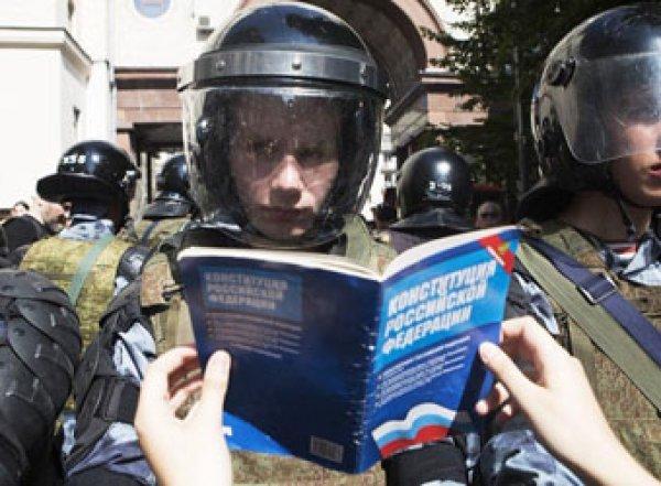 «Они ранимые и трепетные»: Путин пояснил жесткое поведение Росгвардии на митингах (ВИДЕО)