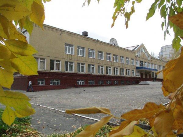 В одной из школ Липецка первоклашек из бедных семей травили, запрещая пить воду из кулера