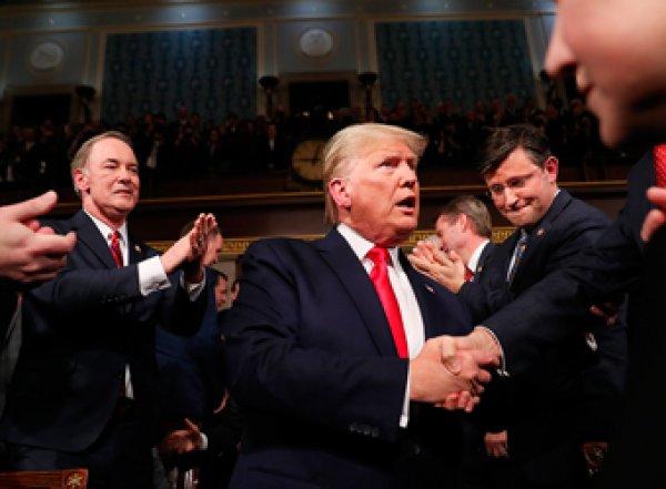 """""""Трамп навсегда"""": в США провалился импичмент президента (ВИДЕО)"""