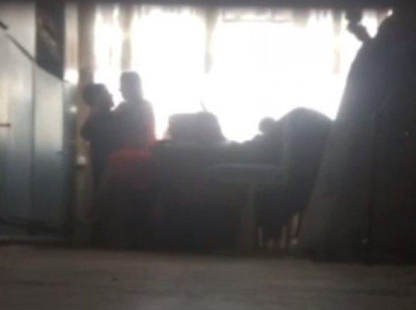 """В Астрахани """"Учитель года"""" уволилась из-за утечки в Сеть ее интимного видео со школьником"""