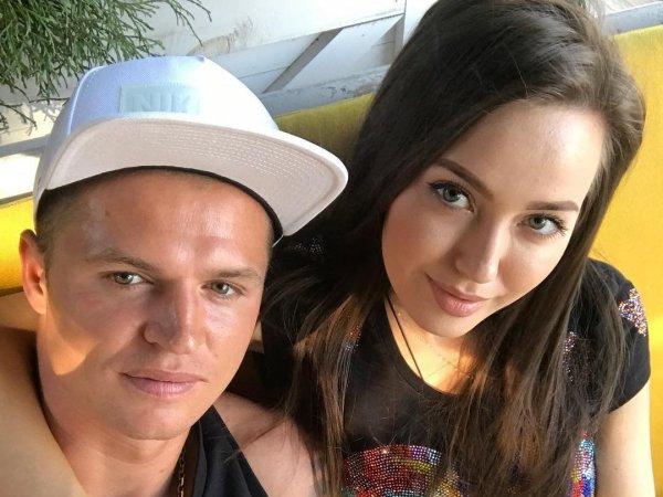 Тарасов назвал новорожденную дочь в честь собаки Бузовой
