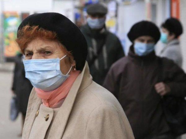Коронавирус в России, последние новости на сегодня: пенсионерам в Москве предложили не выходить на улицу за 4000 рублей компенсации