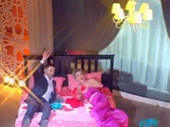 Тру-се-ля-ти-на!: Харламов заставил Бардема расстрелять жениха и невесту из Давай поженимся(ВИДЕО)