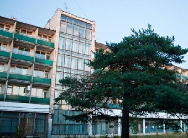 Коронавирус в России: Мишустин закрывает санатории, курорты и общепит с 28 марта