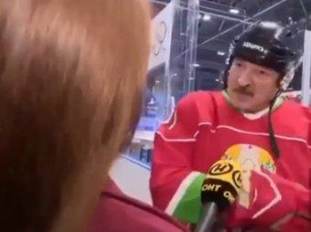 Видишь суслика?:  Лукашенко с клюшкой против коронавируса стал мэмом