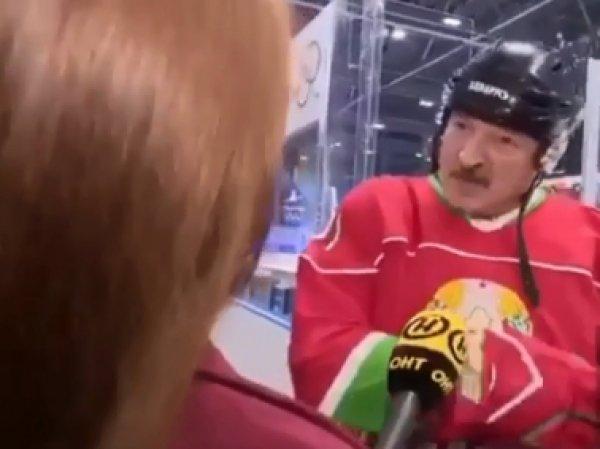 """""""Видишь суслика?"""":  Лукашенко с клюшкой против коронавируса стал мэмом"""