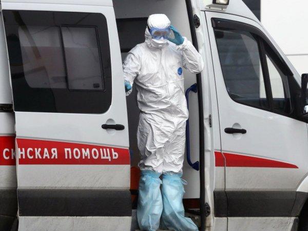 В Екатеринбурге у девушки с пневмонией две недели не могут взять анализ на коронавирус