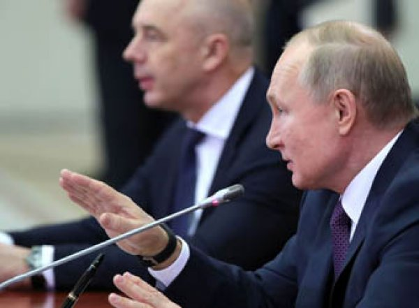 «Постараюсь вас умолять»: бизнесвумен расплакалась, жалуясь Путину на равнодушие властей (ВИДЕО)