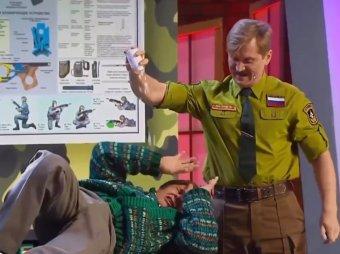 Черпак вообще не чешется!: номер Уральских пельменей про армию за час стал хитом в Сети (ВИДЕО)