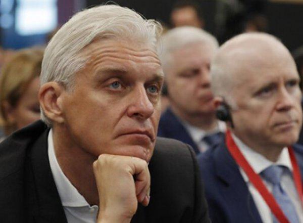 США обвинили Тинькова в сокрытии  млрд - ему грозит 6 лет