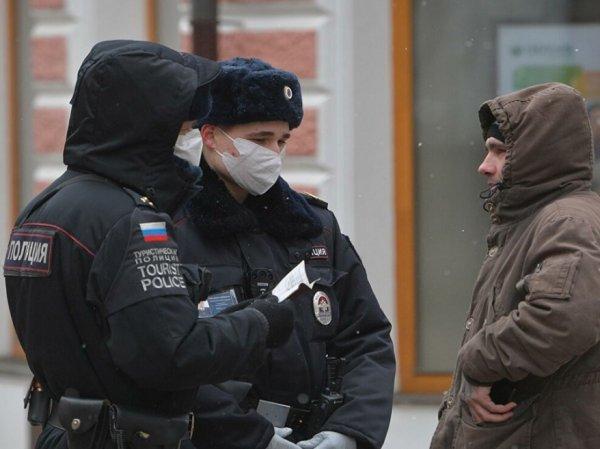 СМИ: москвичей обяжут получать QR-код на выход из дома – даже чтобы выбросить мусор