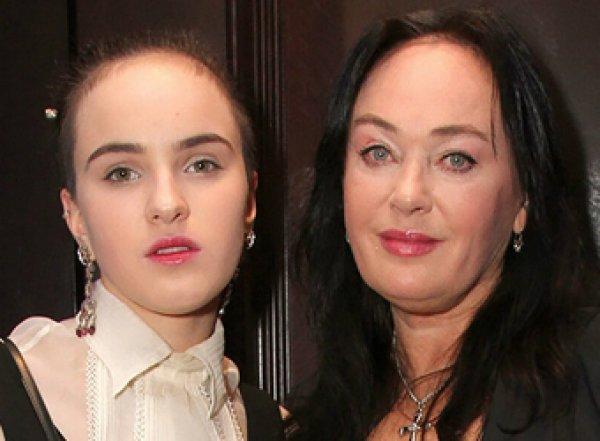 Показавшую фото 30-летней давности Гузееву перепутали с дочерью