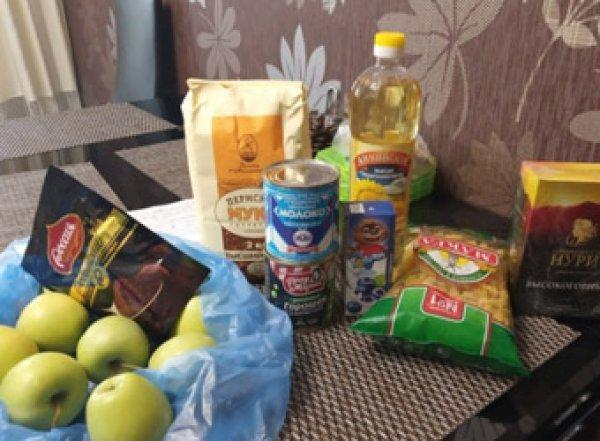 В Карелии малоимушим детям дали сухой паек из пяти картофелин и двух сосисок  (ВИДЕО)