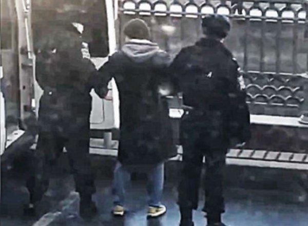 Суд вынес приговор москвичу Иисусу Воробьеву, задержанному на Патриарших во время прогулки с собакой