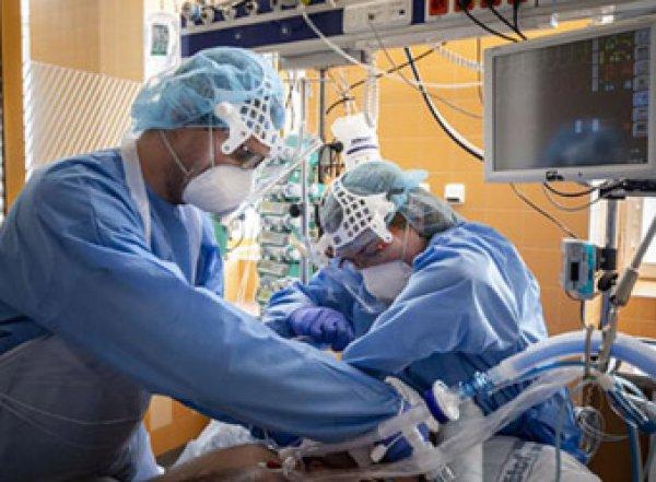 В России заразились коронавирусом более 10 тысяч человек, 1500 - за последние сутки