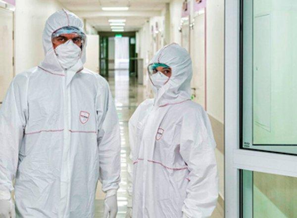 Семь врачей московского центра травматологии заразились коронавирусом