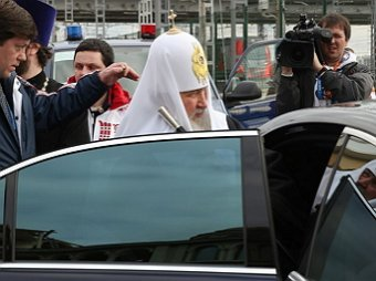 Патриарх Кирилл совершил объезд Москвы с иконой «Умиление» на Мерседесе с кортежем (ВИДЕО)