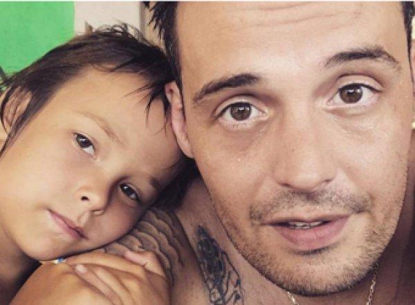 Сын отправленного в клинику Гуфа назвал отца наркоманом и попросил денег