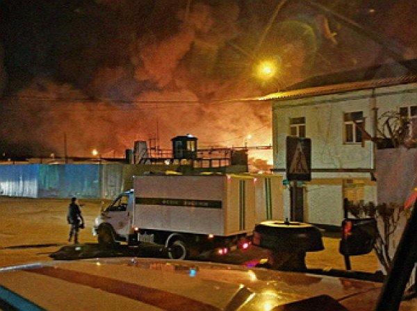 Бунт в ИК№15 Иркутска: спецназ столкнулся сзаключенными из-за пожара