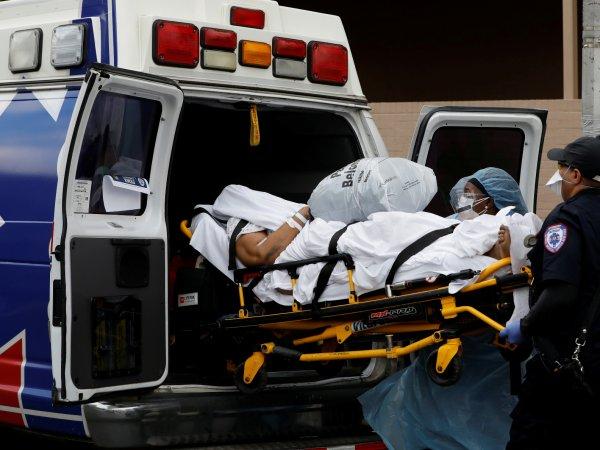 СМИ: в США из-за коронавируса погибло больше американцев, чем за шесть предыдущих войн
