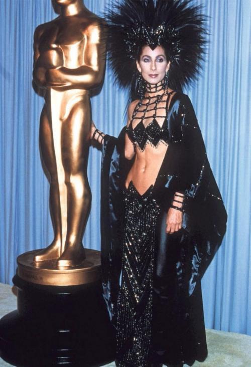 15 самых скандальных платьев знаменитостей с церемонии награждения