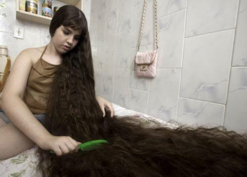Топ-10 обладателей самых длинных волос в мире
