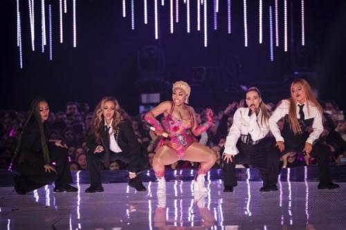 Пошлятина и безвкусица: знаменитости на премии MTV опять отличились