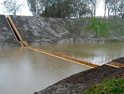"""В Голландии построили """"Мост Моисея"""""""