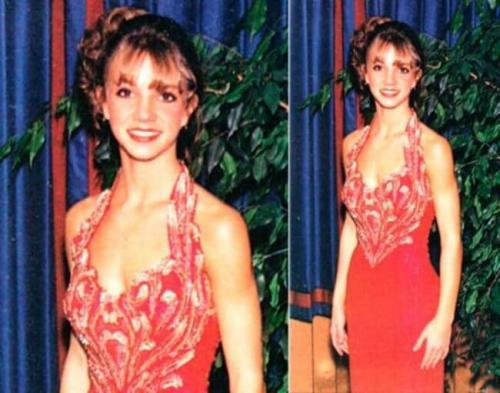 Фотографии знаменитостей с выпускного вечера