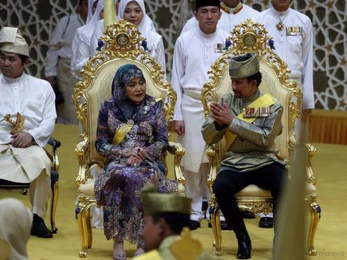 Самые богатые монархи мира
