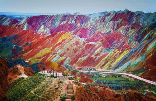 Удивительные горы, окруженные таинственностью