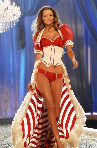 Лучшие костюмы «Ангелов» Victoria\'s Secret за последние 5 лет