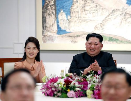 Тоталитарная красота: как выглядят жены диктаторов