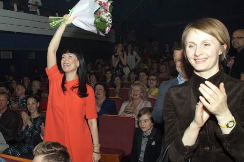 Нонна Гришаева показала детский спектакль из советских времен