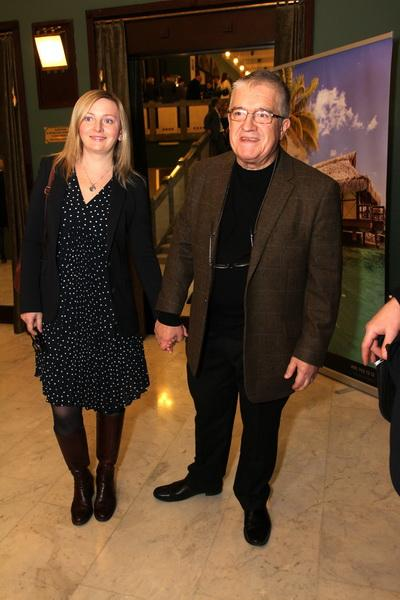 Ольга Кабо встала на колени перед Николаем Караченцовым