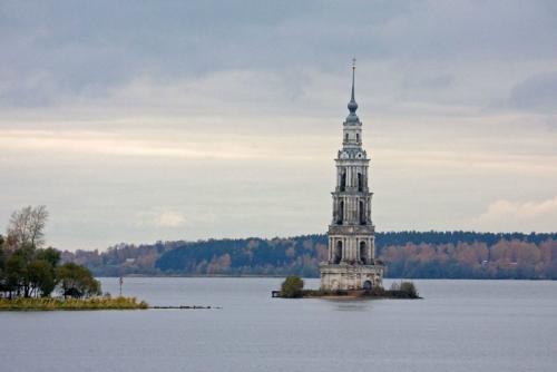 5 самых эффектных затопленных зданий