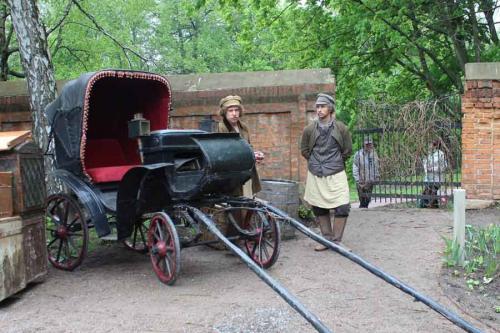 Карен Шахназаров бросит Елизавету Боярскую под поезд