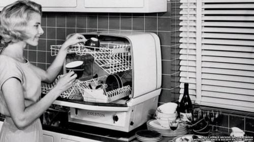 Как выглядели бытовые приборы прошлого века