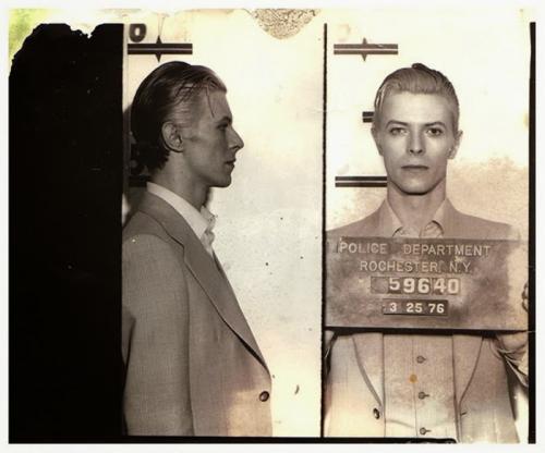 10 снимков знаменитостей под арестом
